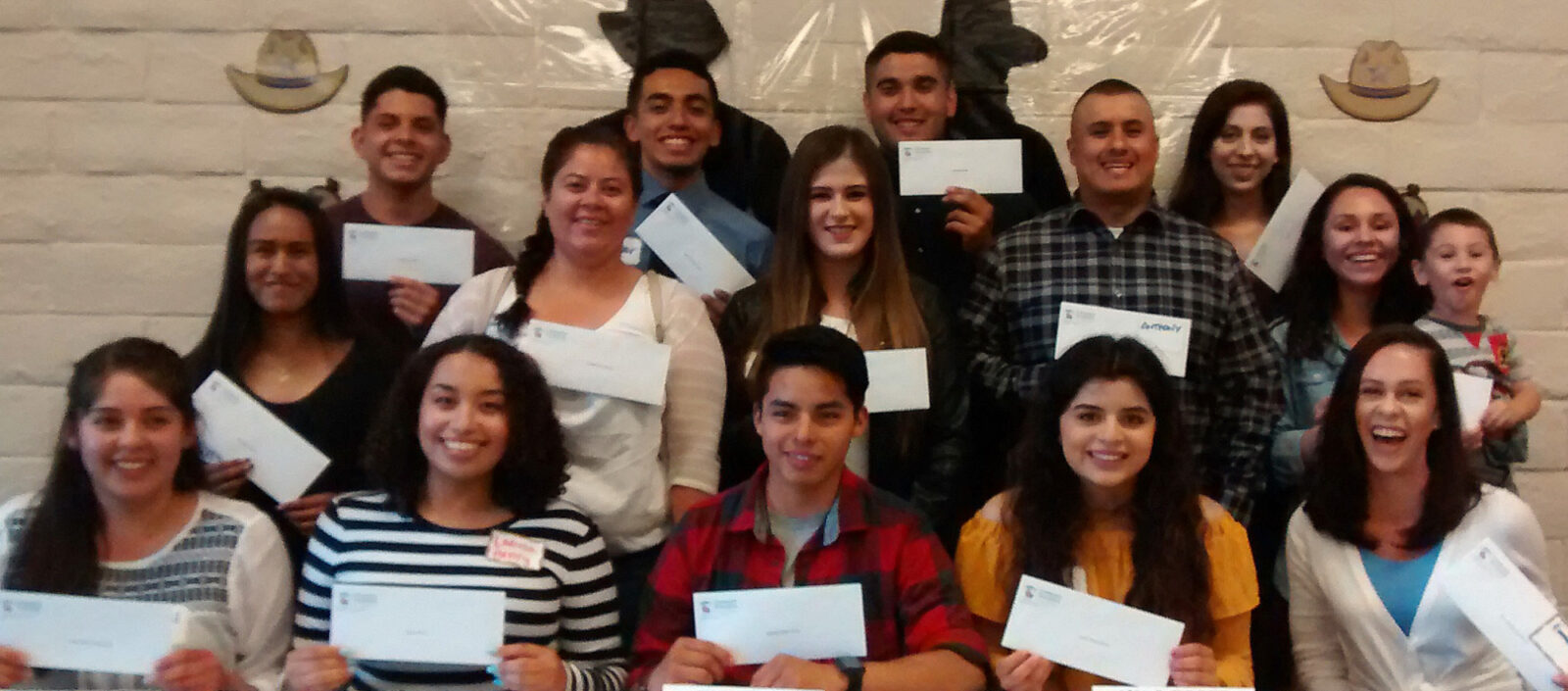 Latino Students Receive Scholarship Awards